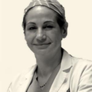 Cirujano plástico en Valencia especialista en pechos Maria Luisa Moreda